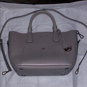 Michael Kors grey/silver leather handbag 👜